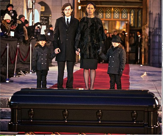 Photos: Celine Dion & her kids at late husband René Angélil's funeral
